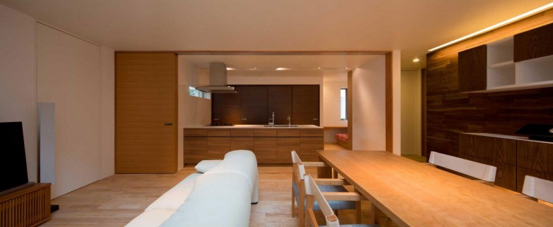 House of Corridor by Architect Show Co. 06