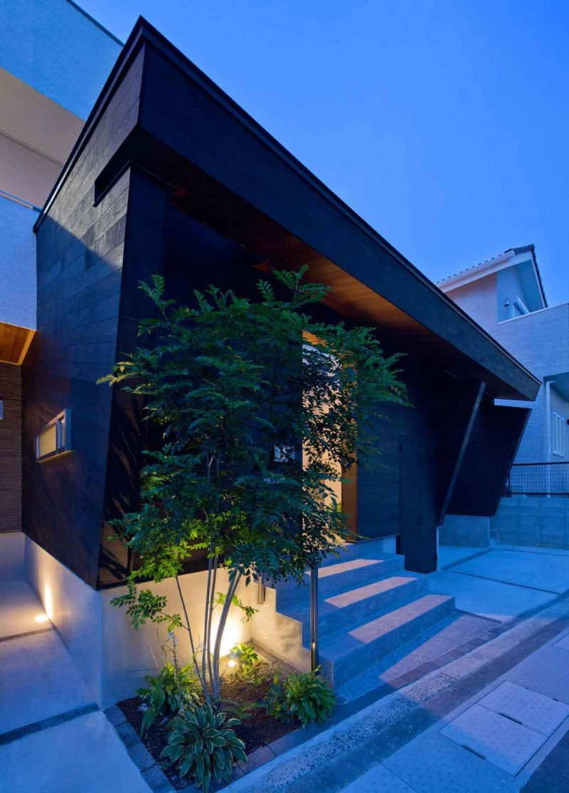 House of Corridor by Architect Show Co. 10