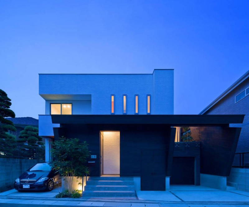 House of Corridor by Architect Show Co. 12