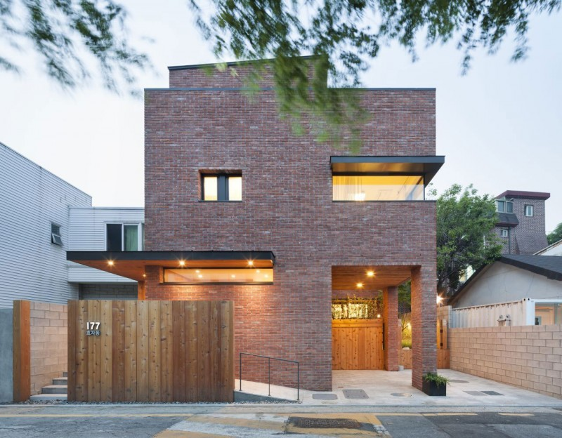 House in Hyojadong by Min Soh & Gusang Architectural Group & Kyoungtae Kim 01