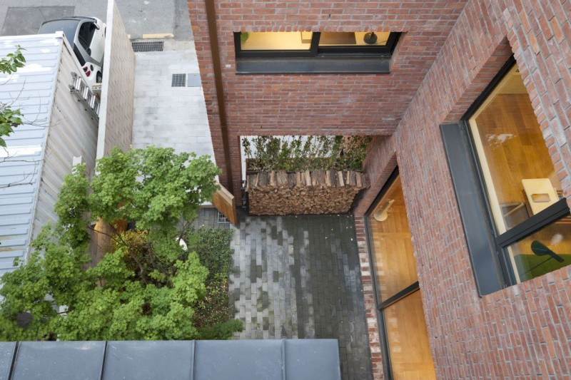 House in Hyojadong by Min Soh & Gusang Architectural Group & Kyoungtae Kim 17