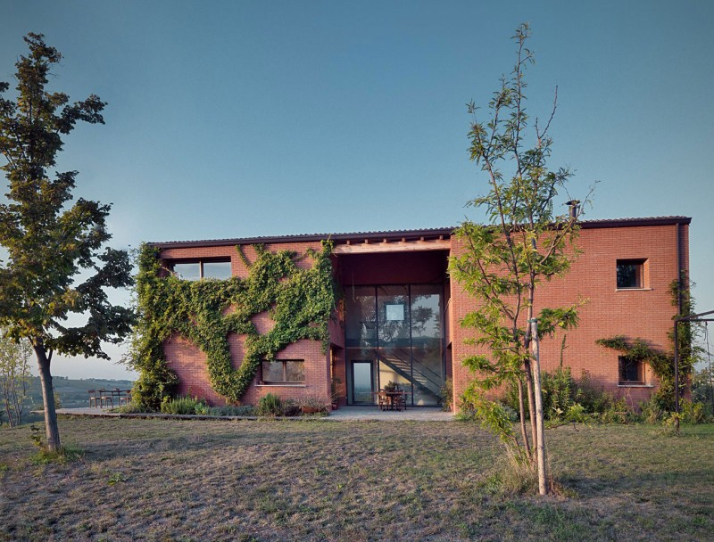 Val Tidone Private House by Park Associati 01