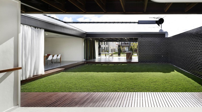 Bisley Place House by James Russell Architect 04