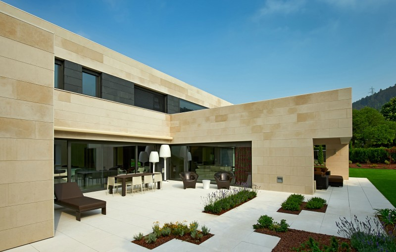 Casa Bilbaína by Foraster Arquitectos 01