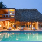 Costa Azul House by Cincopatasalgato Architecture 01