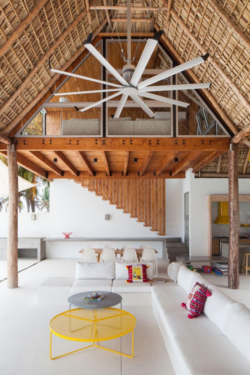 Costa Azul House by Cincopatasalgato Architecture 03