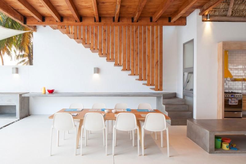 Costa Azul House by Cincopatasalgato Architecture 05