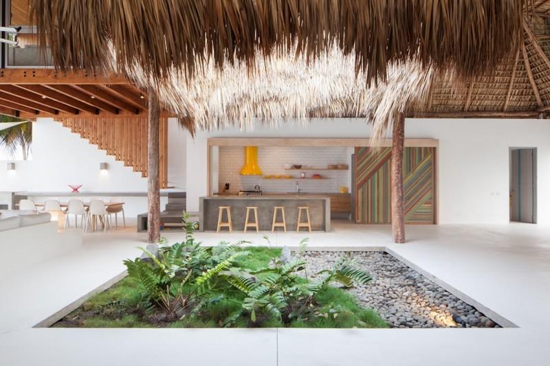 Costa Azul House by Cincopatasalgato Architecture 08