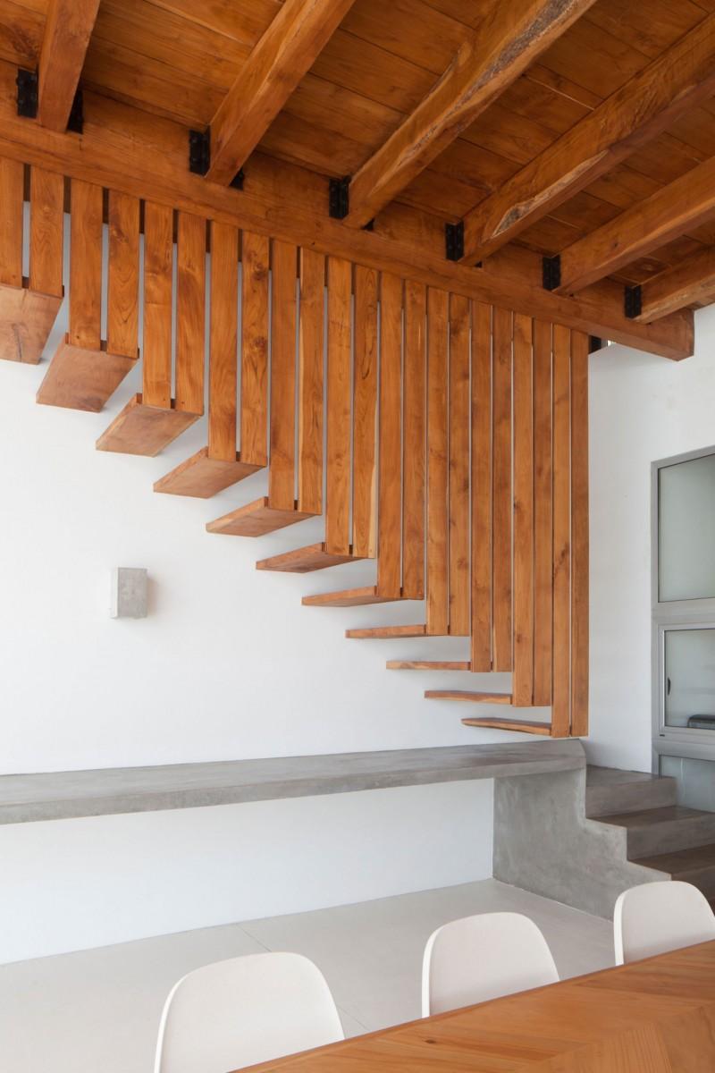 Costa Azul House by Cincopatasalgato Architecture 10