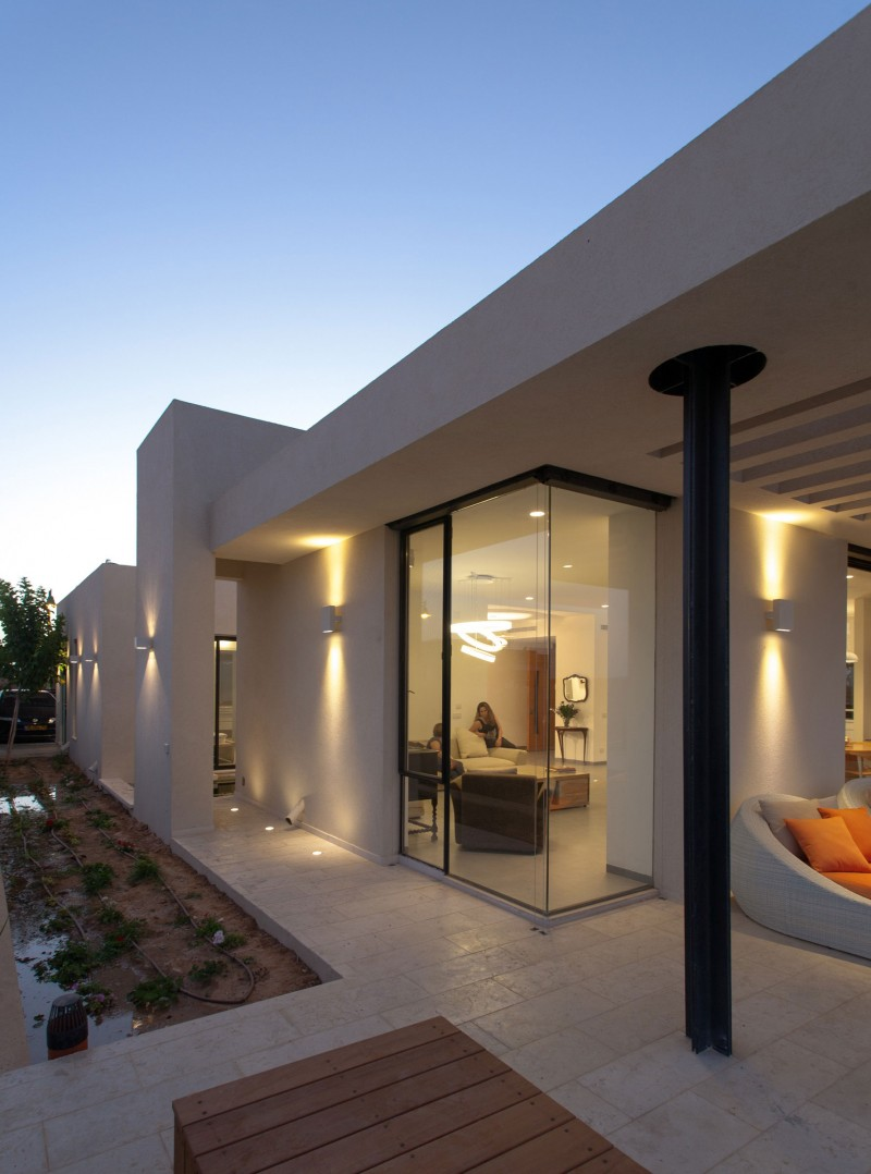 Kasir Residence by Saab Architects 14