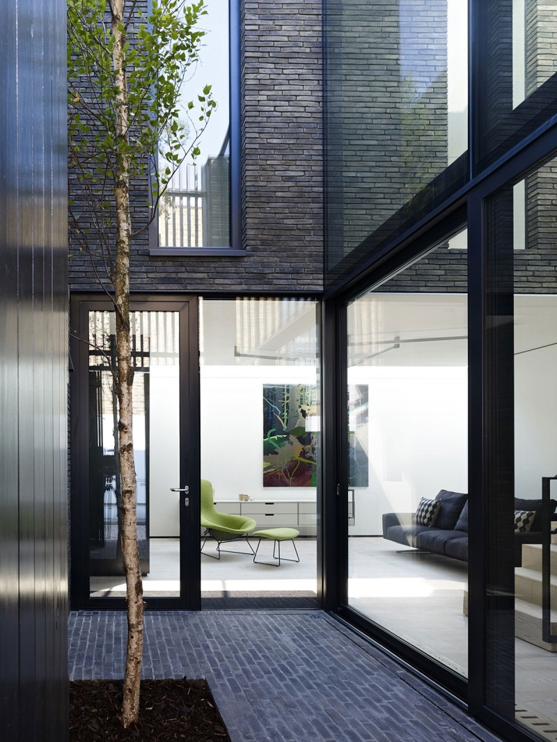 Black Box by form_art architects 05