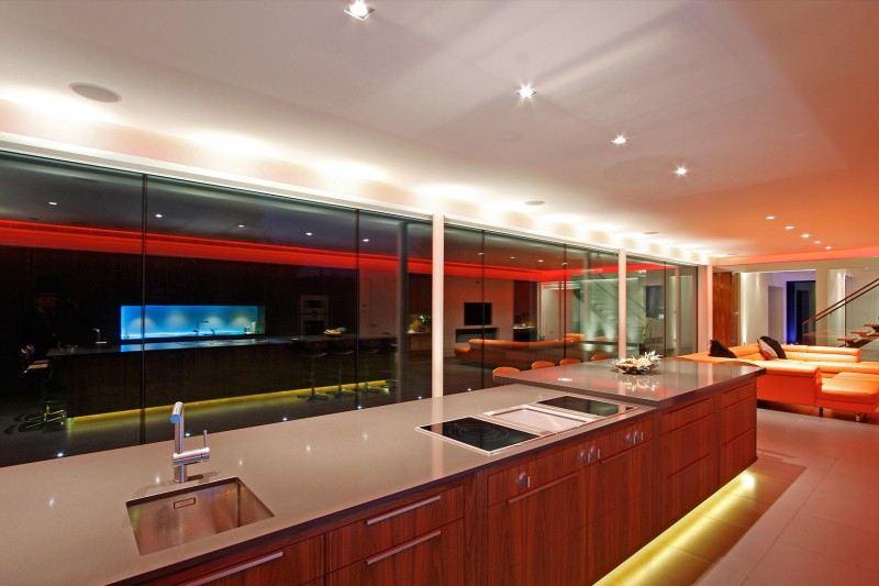 Oxted, contemporary home in Surrey, England 09