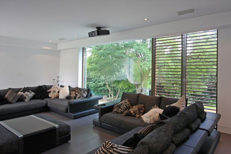 Oxted, contemporary home in Surrey, England 10