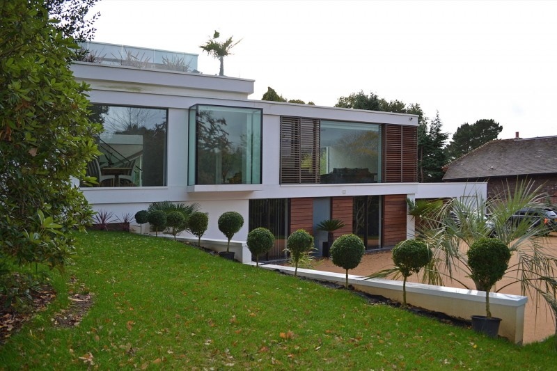 Oxted, contemporary home in Surrey, England 16