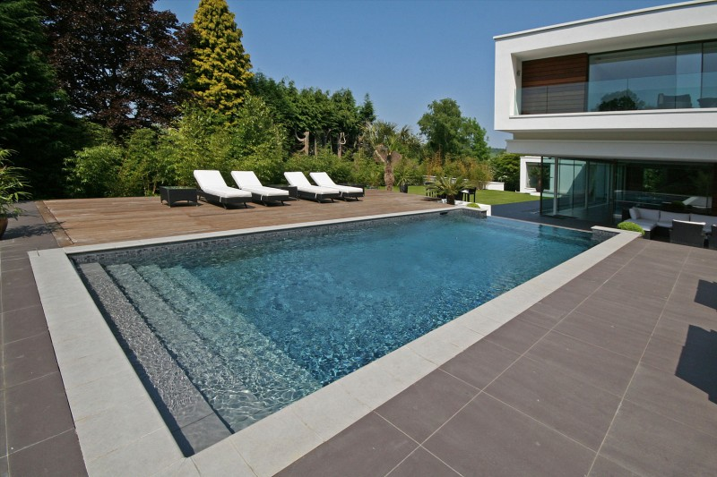 Oxted, contemporary home in Surrey, England 19
