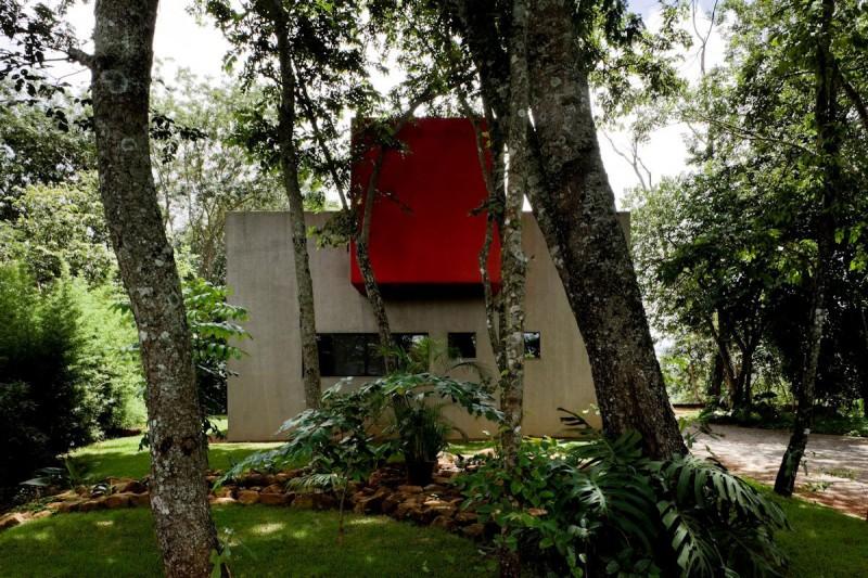 Casa Da Caixa Vermelha by Leo Romano 11