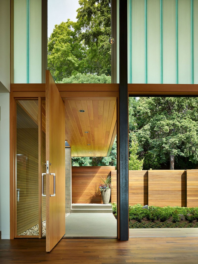 Courtyard House by DeForest Architects 09
