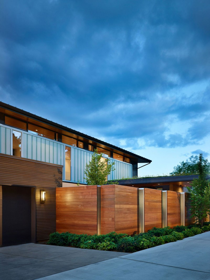Courtyard House by DeForest Architects 14