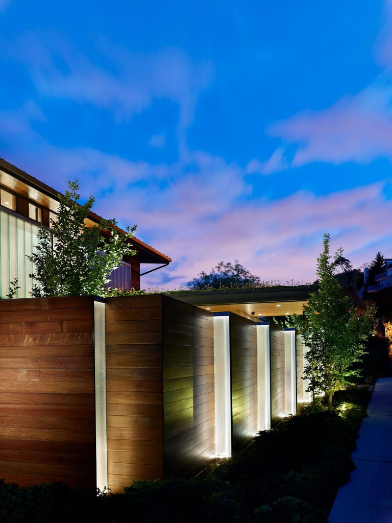 Courtyard House by DeForest Architects 15