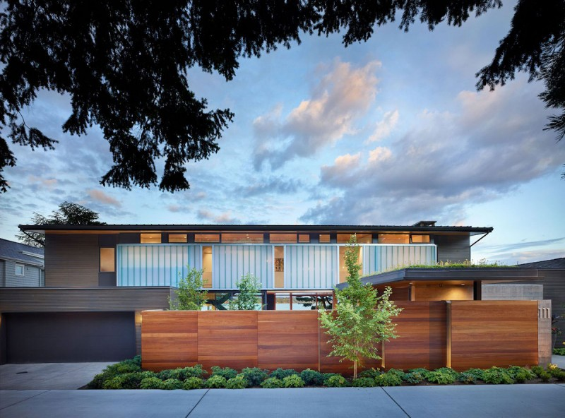 Courtyard House by DeForest Architects 16