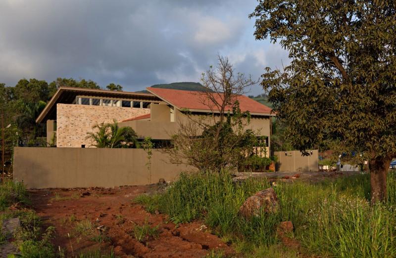 Monsoon Retreat by Abraham John ARCHITECTS 16