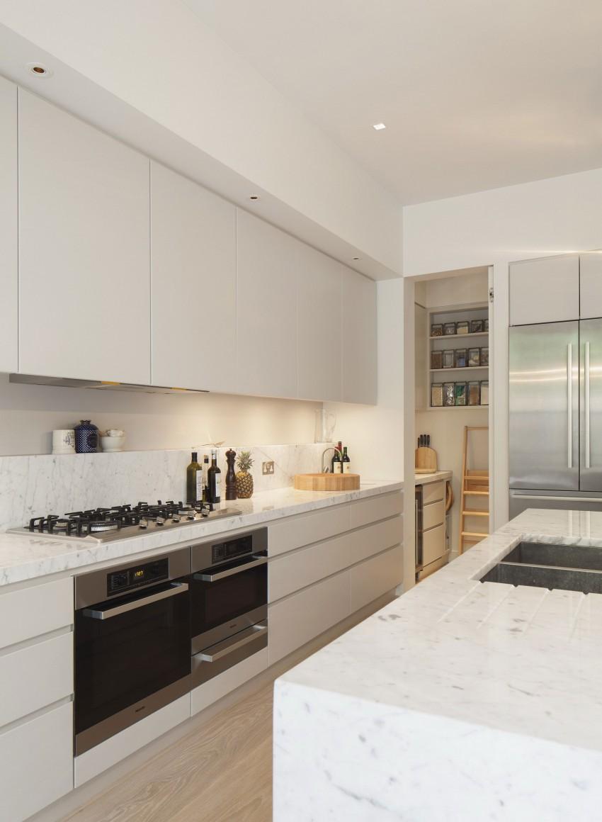 Hurlingham road by de rosee sa 03 myhouseidea for Sa kitchen designs