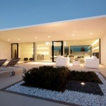 Jesolo Lido Pool Villa by JM Architecture 16