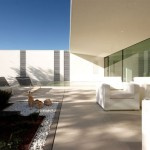 Jesolo Lido Pool Villa by JM Architecture 18