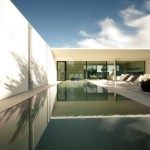 Jesolo Lido Pool Villa by JM Architecture 19