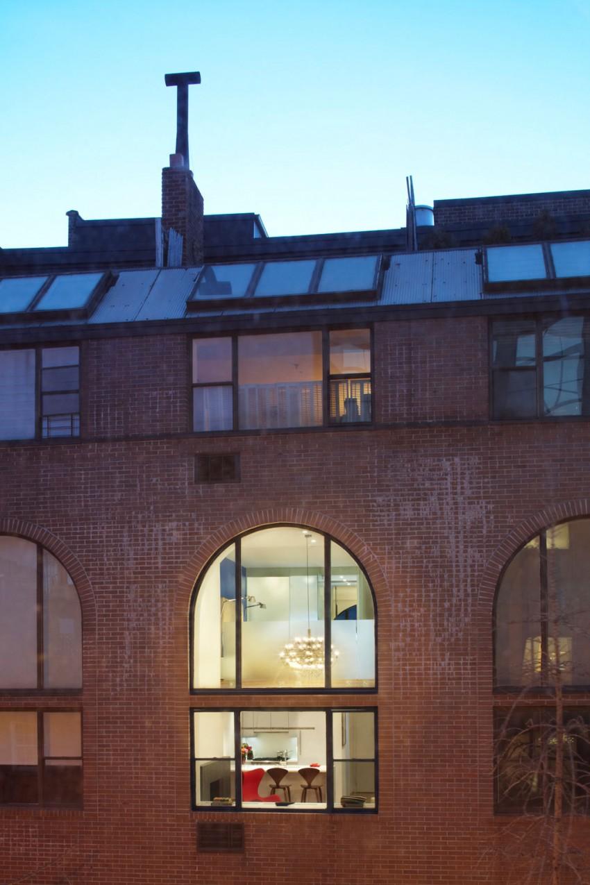 Light-Filled Duplex by Axis Mundi Design 10