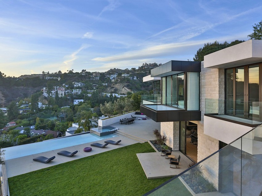 Contemporary architectural house on Sunset Strip - MyHouseIdea