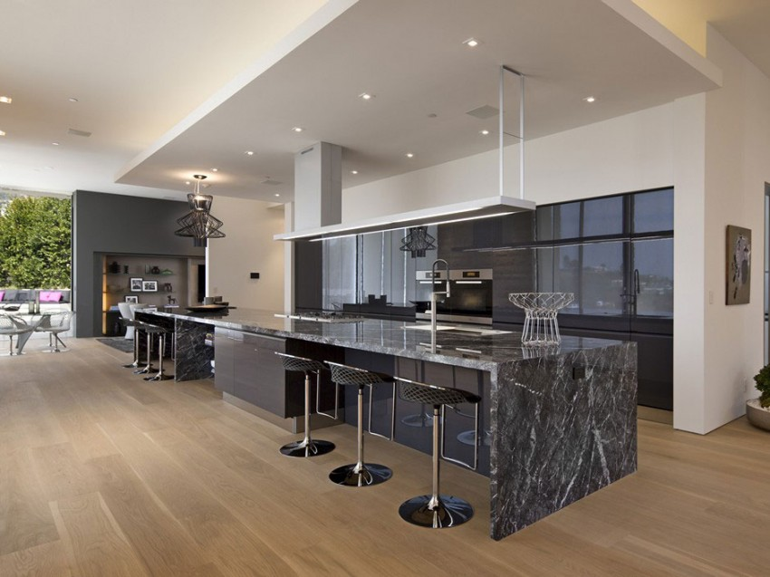 Contemporary architectural house on Sunset Strip 04