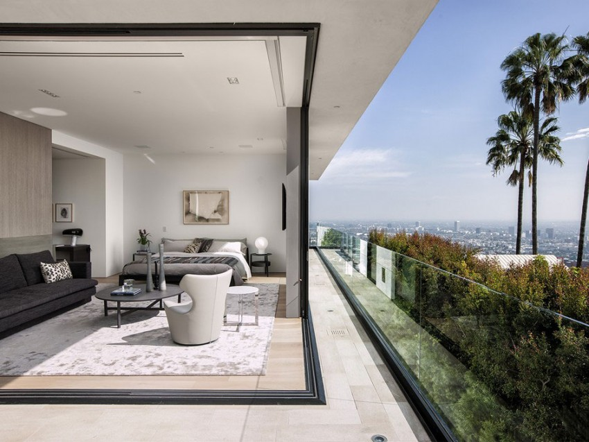 Contemporary architectural house on Sunset Strip 07