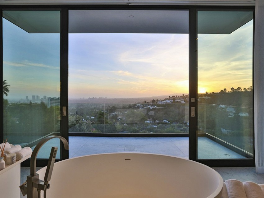 Contemporary architectural house on Sunset Strip 08