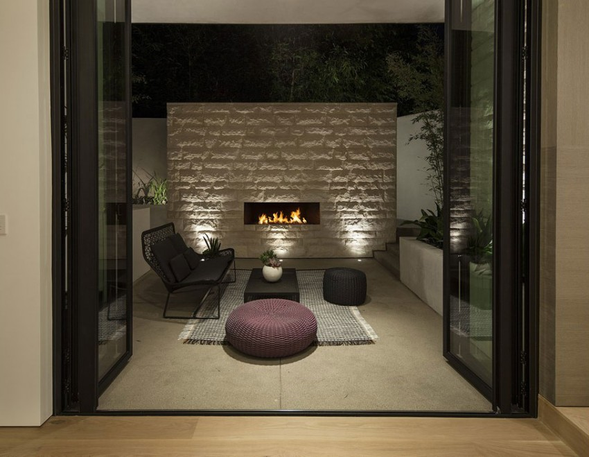 Contemporary architectural house on Sunset Strip 17