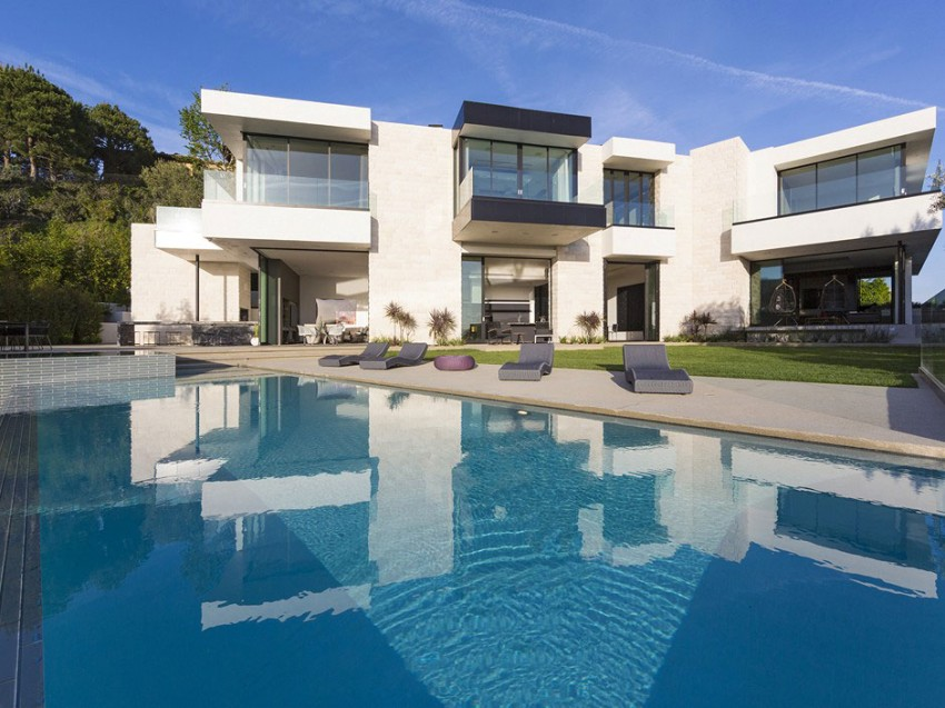 Contemporary architectural house on Sunset Strip 19
