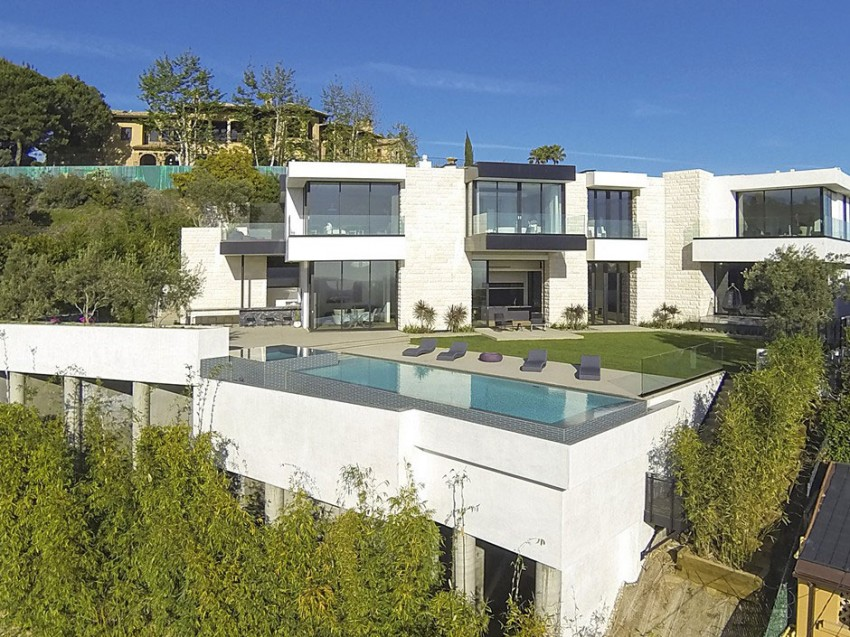 Contemporary architectural house on Sunset Strip 20
