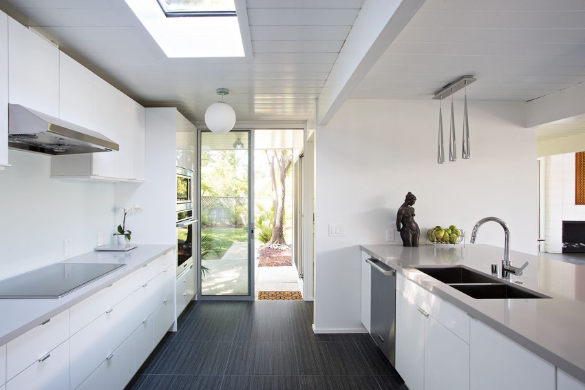 Double Gable Eichler Remodel by Klopf Architecture 09