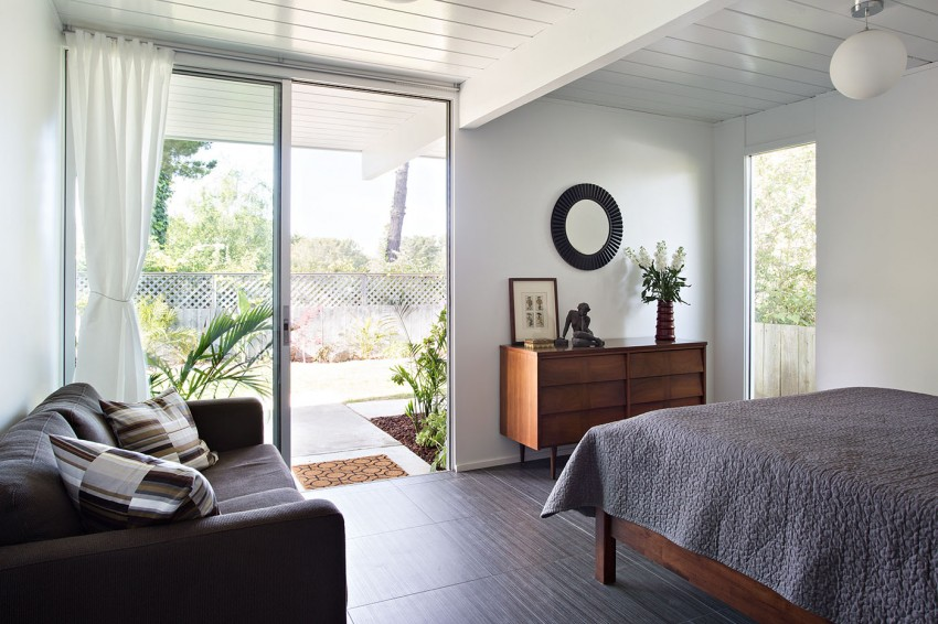 Double Gable Eichler Remodel by Klopf Architecture 16