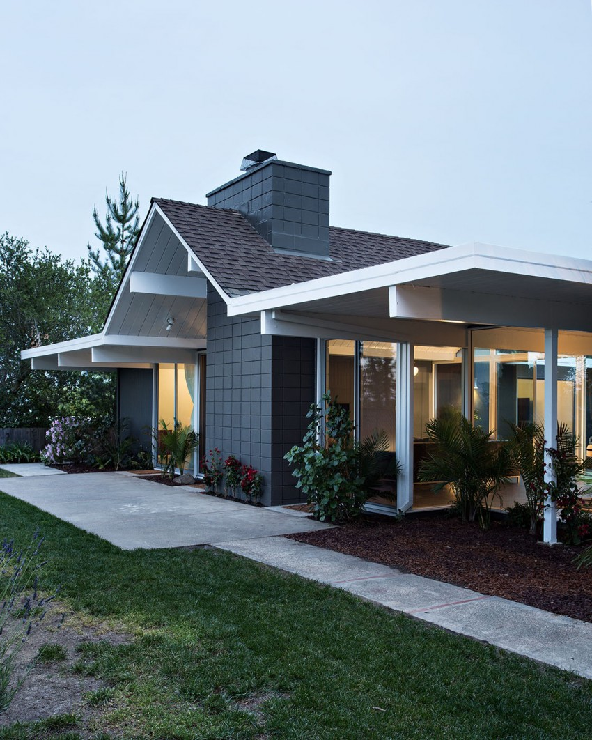 Double Gable Eichler Remodel by Klopf Architecture 19