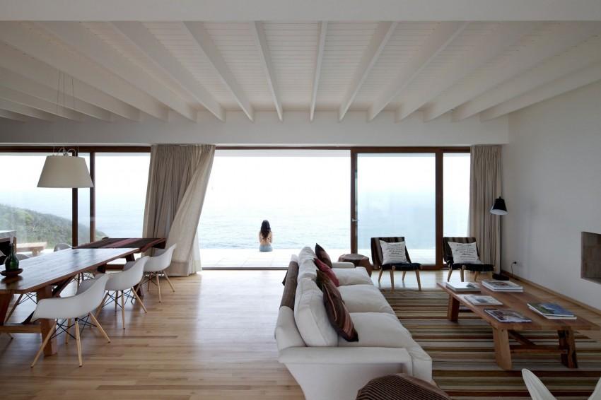 Tunquen House by Nicolás Lipthay Allen  L2C 01