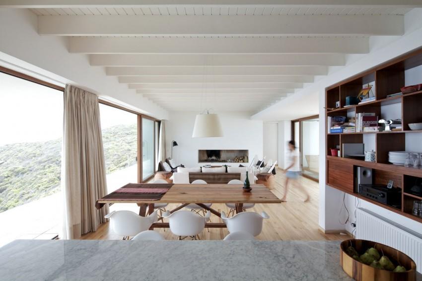 Tunquen House by Nicolás Lipthay Allen  L2C 05