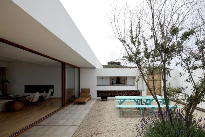 Tunquen House by Nicolás Lipthay Allen  L2C 06