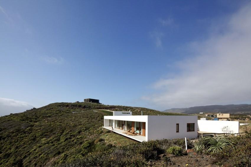 Tunquen House by Nicolás Lipthay Allen  L2C 10