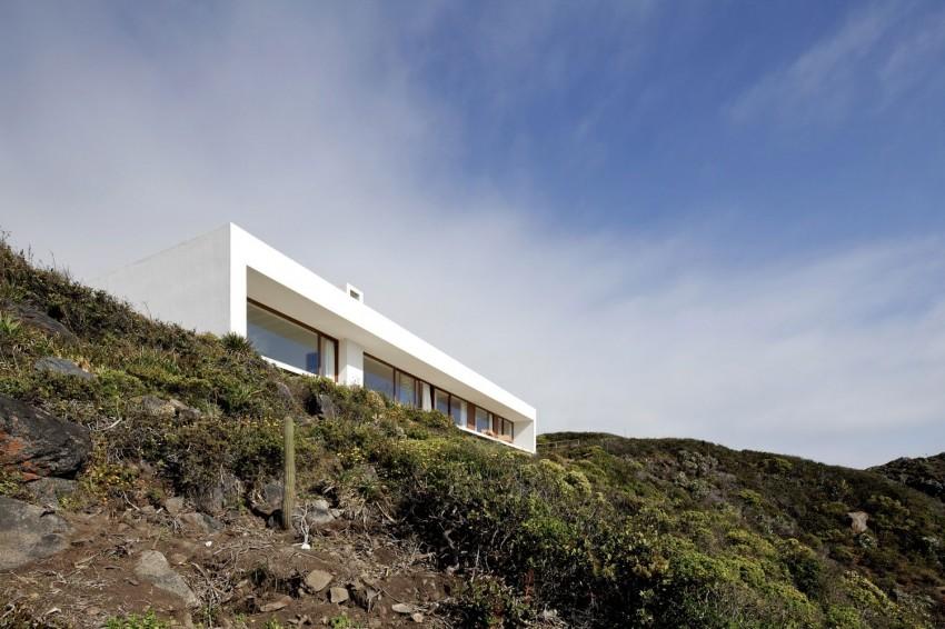 Tunquen House by Nicolás Lipthay Allen  L2C 11