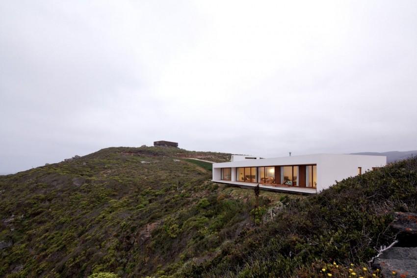 Tunquen House by Nicolás Lipthay Allen  L2C 15