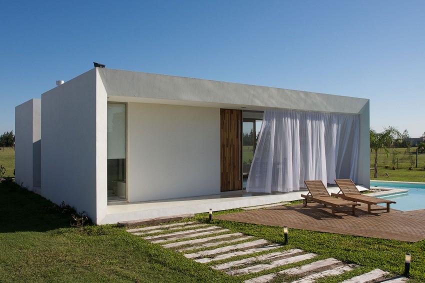 DT Puerto Roldán House by VismaraCorsi Arquitectos 02