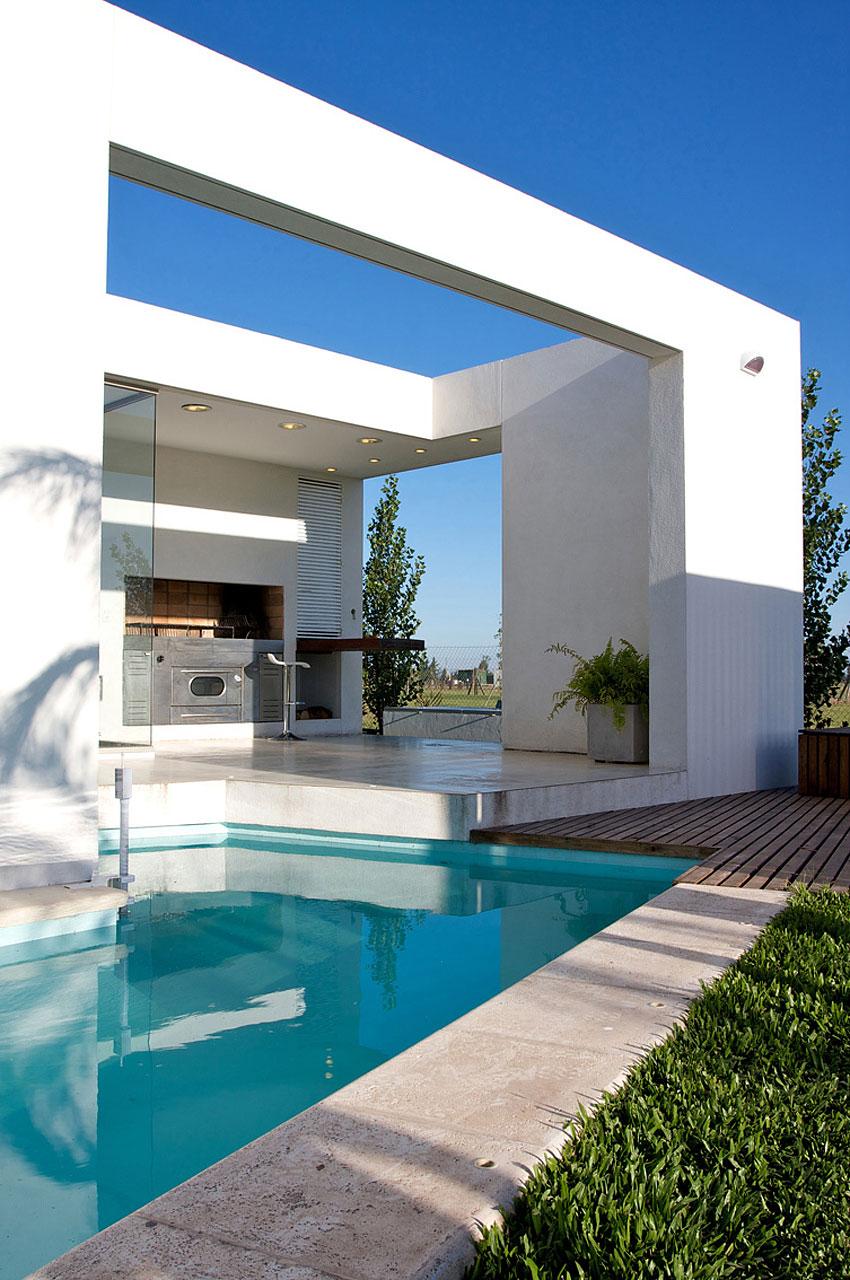 DT Puerto Roldán House by VismaraCorsi Arquitectos 05