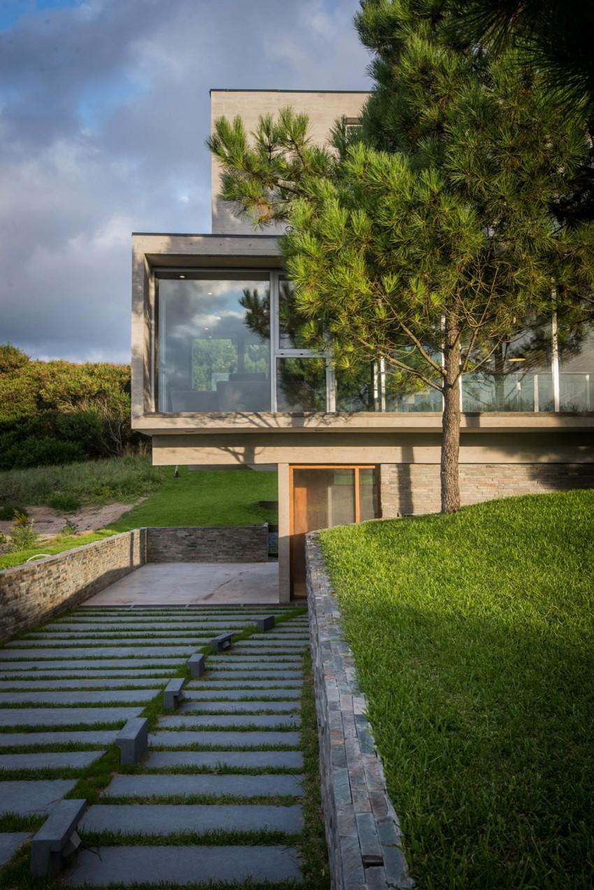 KVS House by Estudio Galera 12