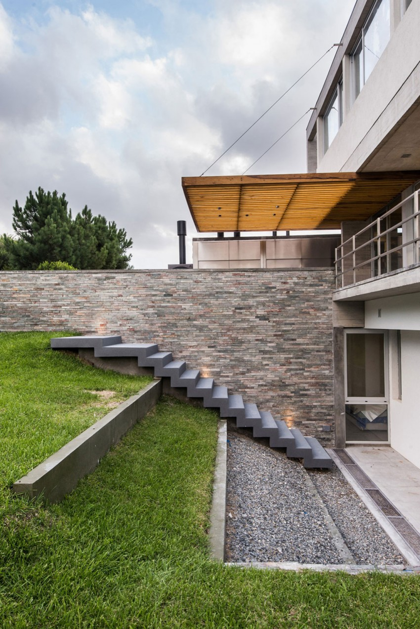 KVS House by Estudio Galera 16